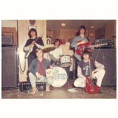 The Beefeaters with two Vox AC100s