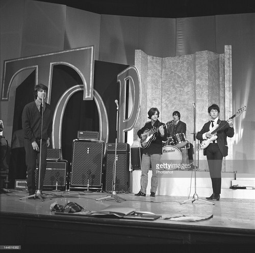 The Kinks with Vox loan equipment, November 1964